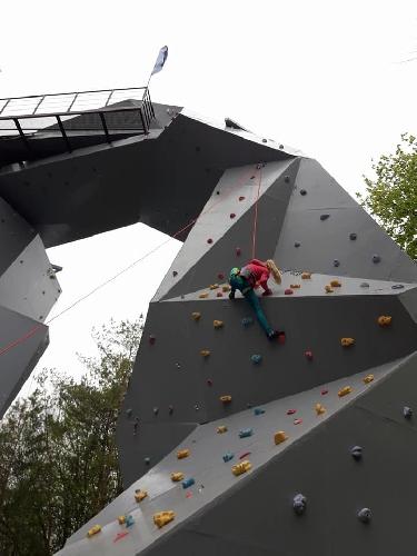 Уникальный в мире скалодром открыли в Ровно