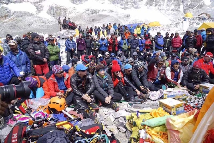 забастовка шерп на Эвересте