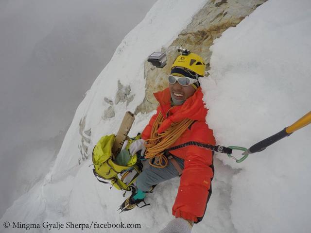 Мингма Галйе Шерпа (Mingma Gyalje Sherpa) в сольном восхождении на Чобутце (Chobutse), известной также под именем Тсободже (Tsoboje). 2015 год