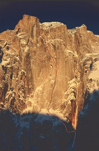 """гора Дики (Mount Dickey), маршрут  """"Blood from the Stone"""""""