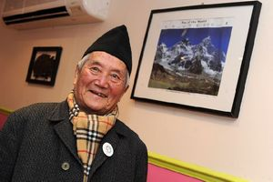В базовом лагере умер рекордсмен Эвереста, 85 летний непалец Мин Бахадур Шерхан