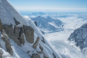 Американские альпинисты совершили первое прохождение южного гребня массива Хантингтон на Аляске