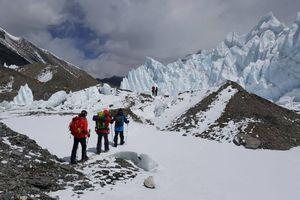 Экспедиция Валентина Сипавина на Эверест: спуск в базовый лагерь