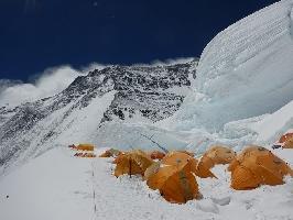 восхождение на северное седло Эвереста на отметку 7300 метров