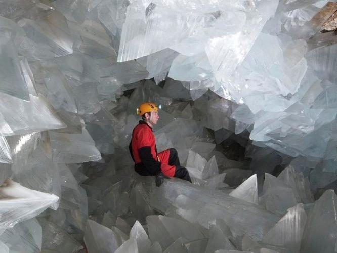 Уникальная пещера с кристаллами обнаружена в Испании