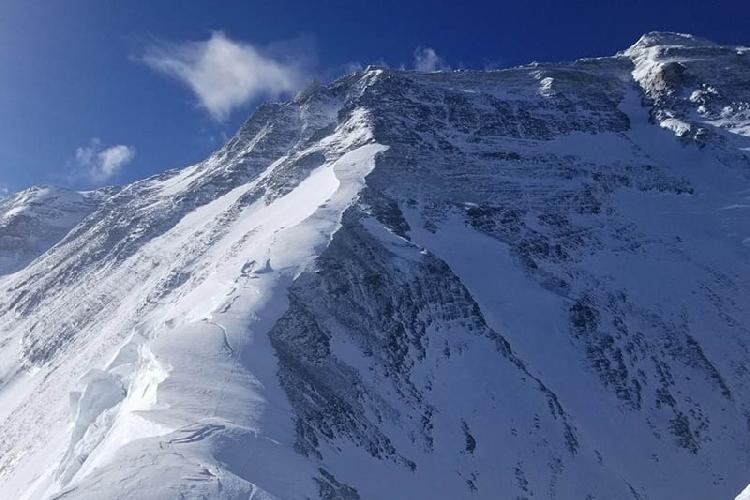 Вершина Эвереста с Северного седла. 11 мая 2017 года