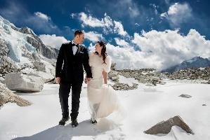 На Эвересте впервые сыграли свадьбу