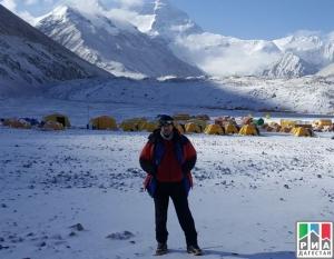 Рашид Гаджиясулов первым из дагестанцев кто покорил Эверест