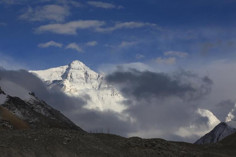 Эверест с северной стороны. Фото: Александр Тельнов.