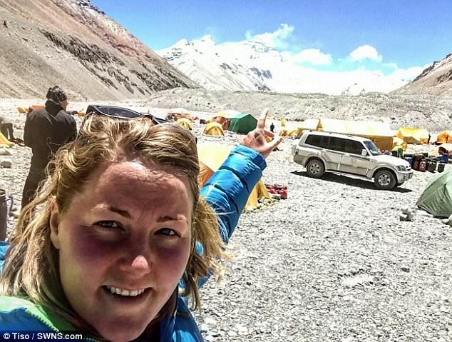 Молли Хьюз (Mollie Hughes) в Базовом лагере Эвереста. май 2017