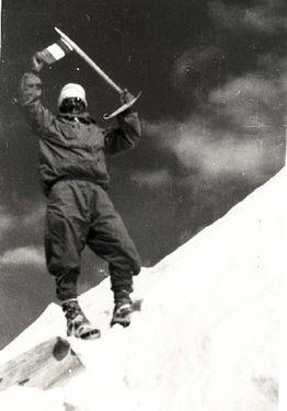 3 июня в истории альпинизма: в это день, в 1950 году человек впервые взошел на вершину восьмитысячника