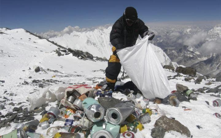 Уборка мусора на Эвересте