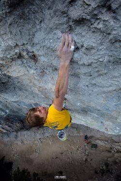 Александр Мегос открывает в австрийском Тироле новый маршрут сложности 9а+