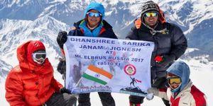 9-летняя девочка из Индии установила рекорд на Эльбрусе
