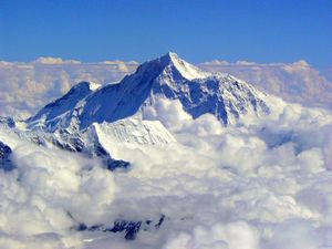 Эверест 2017 года: восхождения, рекорды, смерти и статистика