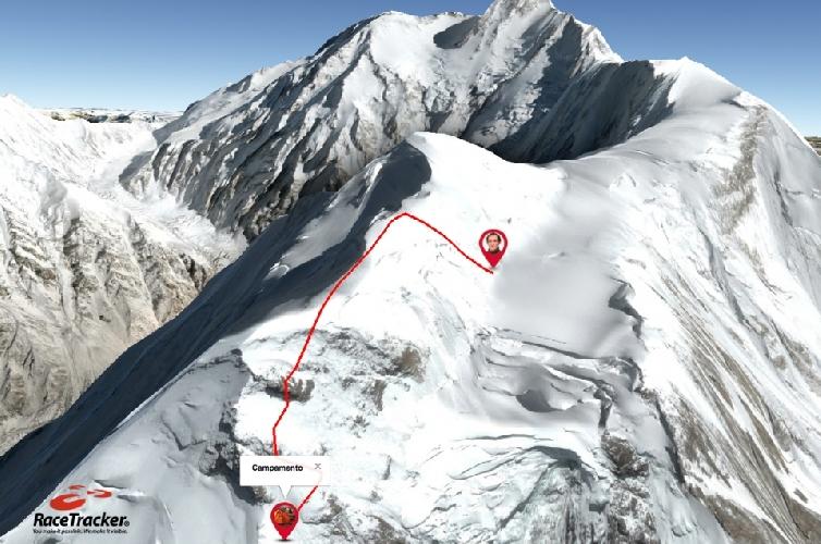Нангапарбат. последняя отметка GPS трекера (~7400м) Мариано Галвана и Альберто Зерайна и обнаруженное на этом месте лавинное поле