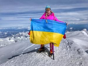 Восемь новостей о прекрасных женщинах, коллекционирующих горные вершины