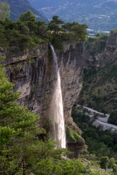 Водопад в секторе Rue de Masques