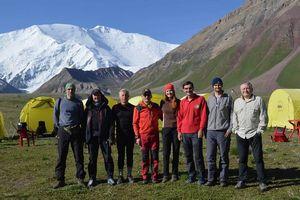 Украинские альпинисты поднимутся на одну из высочайших вершин бывшего СССР: пик Ленина
