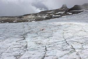 Швейцарский ледник вернул тела двух человек спустя 75 лет.