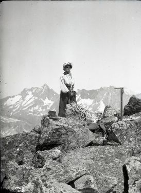 Фото дня: женщина - альпинистка в начале ХХ века