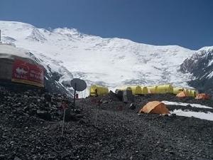 Экспедиция украинских альпинистов на пик Ленина: о горе и происшествиях за минувшую неделю