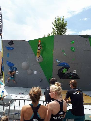 Ника Потапова на восьмом этапе молодежного Кубка Европы-2017 по скалолазанию в французском городе Л