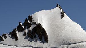 При восхождении на Монблан погибли два альпиниста из Германии