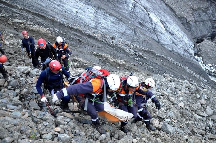 Спасработы на склонах вершины Адай-Хох Цейского ущелья