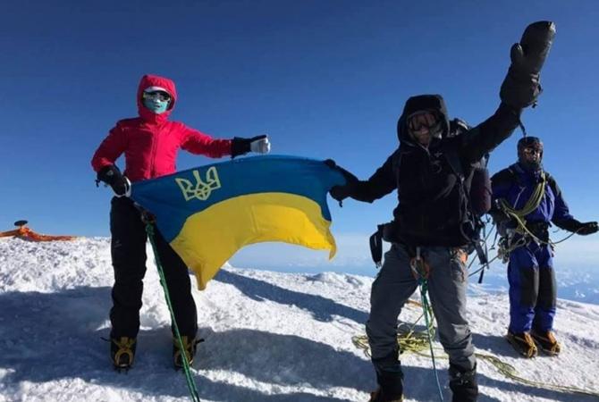 Денис Угрин и Оксана Летинская на вершине Денали