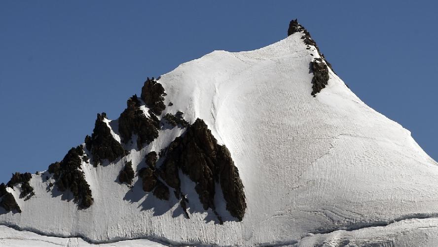 Вершина Монблан дю Такул (Mont Blanc du Tacul) высотой 4248 метров
