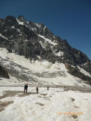 Последние метры к палатке на леднике.