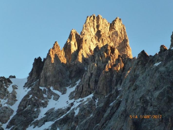 Шхельда Восточная (4320 м)