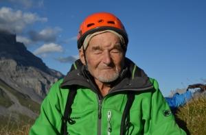 94-летний швейцарец Марсель Реми установил новый мировой рекорд, пройдя 500 метровый скальный маршрут!