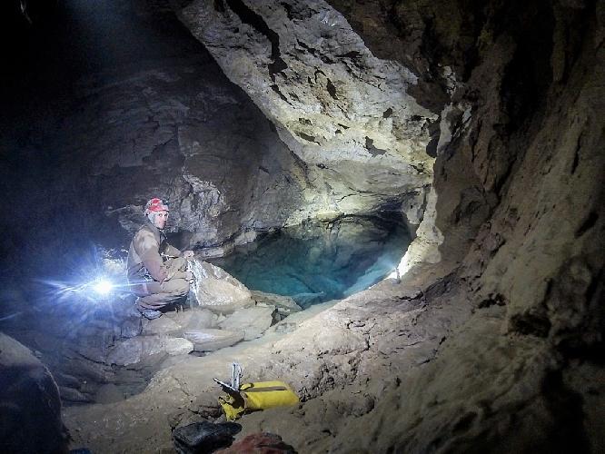 пещера имени Александра Верёвкина. Полусифон 5