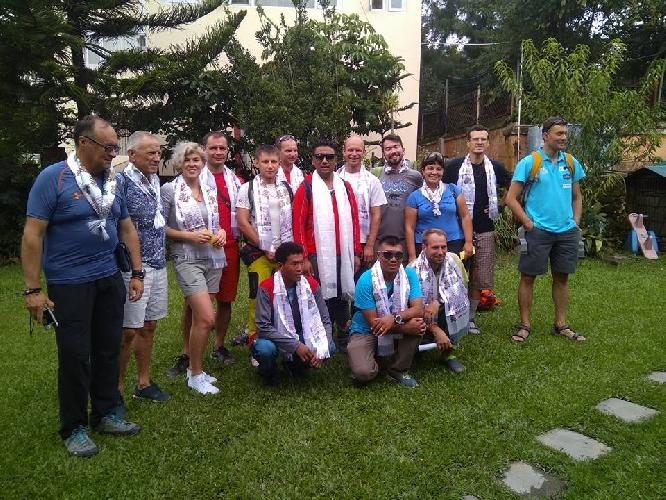 Пуджа для удачного восхождения на Манаслу 8163 с командой Makalu Extreme-2