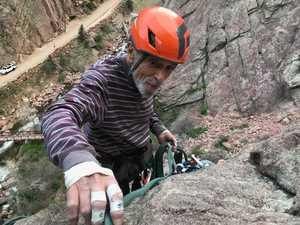 87-летний американец становится самым старым скалолазом на Башне Дьявола