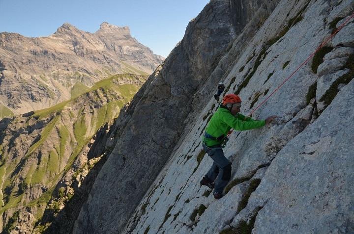 Марсель Реми (Marcel Remy) на Северо-Западной стене Miroir de l'Argentine, что расположена в Швейцарии.