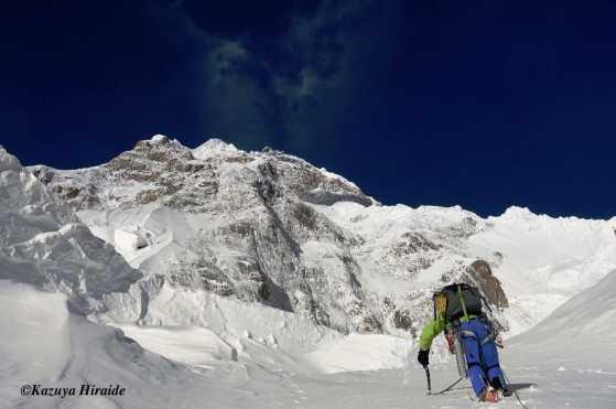 новый маршрут на пакистанской горе Шиспаре (Shispare) высотой 7611 метров. Между первым и вторым высотными лагерями