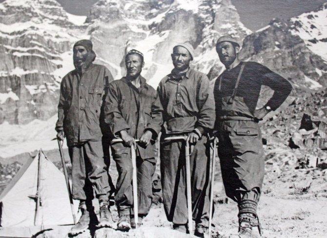 Юго-западный Памир. 1954 г. Восхождение с грузинскими альпинистами.