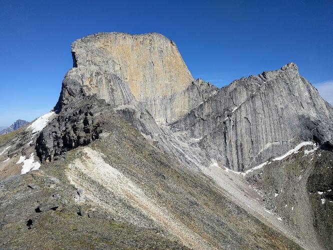 Западная стена аляскинской горы Ксанаду (Xanadu, 2182 м)