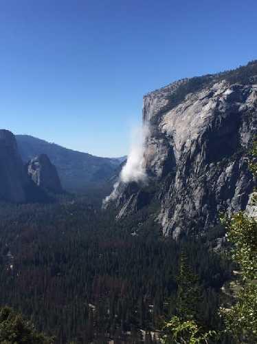Камнепад в Йосемитском национальном парке