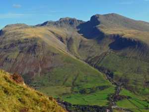 Из-за употребления марихуаны четверо туристов не смогли спуститься с вершины горы в Англии