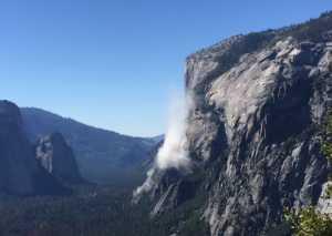 На всемирно известной скале Эль-Капитан произошел обвал, по меньшей мере один альпинист погиб