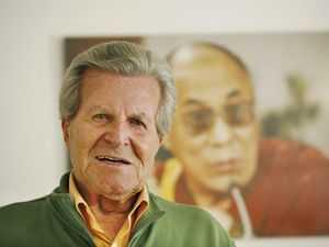В возрасте 99 лет скончался Норман Диренфурт - легендарный альпинист и кинорежиссер
