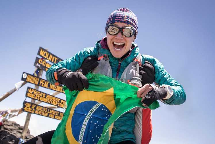 Фернанда Масиель (Fernanda Maciel) на вершине Килиманджаро