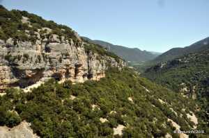 Скалолазный район Сен Леже (Saint Léger du Ventoux) во Франции