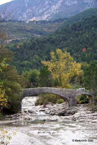 Тот самый старинный каменный мост