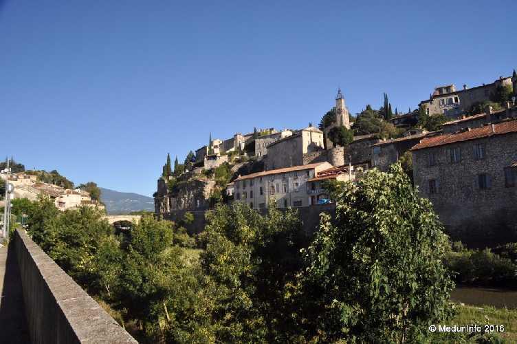 Город Vaison la Romaine