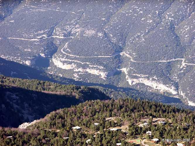 Район Сен Леже с высоты птичьего полета (фотография с вершины горы Ванту)